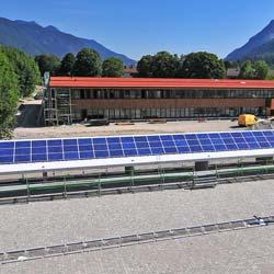 Dachabdichtung im Finanzamt Garmisch-Partenkirchen Sika Sarnafil SikaRoof Sarnabar