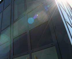 EnEV 2104 ohne Verschattung – dimmbares Glas statt Jalousien oder Rollläden / ECONTROL 55/12 für sommerlichen Wärmeschutz