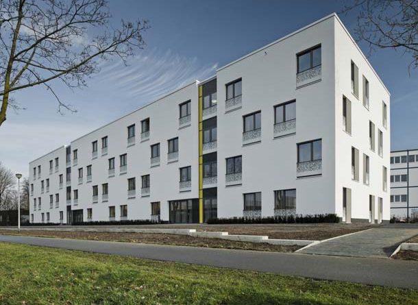 Im Dezember 2013 konnte das neue Studentenwohnheim in Kleve bezogen werden. Es wurde nach Passivhausstandard KfW 40 erstellt und bietet den Bewohnern in jeder Hinsicht eine herausragende Wohnqualität. Foto: AEG Haustechnik