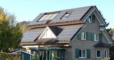 Die Photovoltaikanlage auf dem Eigenheim – ein Gesundheitsrisiko für die Bewohner? Bildquelle: Verband Baubiologie