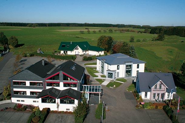 Firmenareal von Fingerhut Haus in Neunkhausen