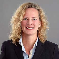 »Die Behinderungsanzeige hilft Auftragnehmer und Auftraggeber.« Dr. Birgit Franz, stellvertretende Vorsitzende der ARGE Baurecht und Fachanwältin für Bau- und Architektenrecht.