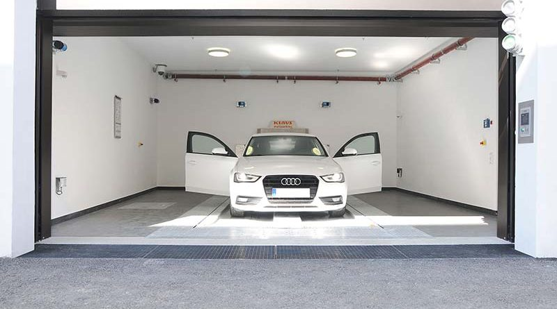 Aufgrund des vollautomatischen Premium-Parksystems parken die Bewohner eines Wohn- und Geschäftshauses in der Karlstraße 47A in München ihre Fahrzeuge unterirdisch. Foto: Klaus Multiparking