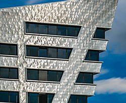 Lüneburgs Libeskind-Leuchtturm: Leuphana Universität