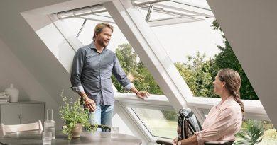 Mit dem extra für das Integra Klapp-Schwing-Fenster entwickelten Rollladen ist das Öffnen des Fensters auch bei geschlossenem Rollladen möglich, da dieser auf dem Fensterflügel montiert wird. Foto: Velux Deutschland GmbH