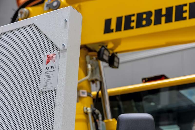Bei Bedarf kommen mobile Schallschutzelemente zum Einsatz, um Versuche akustisch abzuschirmen. Foto: Faist