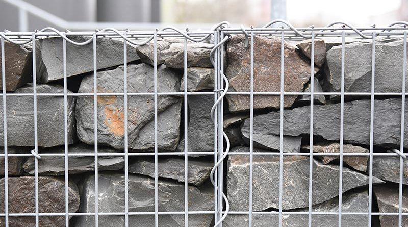 Gabionen – mit Steinen gefüllten Drahtkörbe – werden immer häufiger im Straßen- und Ingenieurbau eingesetzt. Foto: FH Münster/Stefanie Gosejohann
