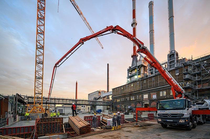 Das neue Kraftwerk entsteht in unmittelbarer Nähe zur bestehenden Anlage. Foto: Dyckerhoff / Christoph Mertens
