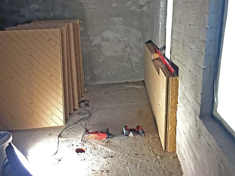 Die unebenen alten Ziegelwände waren eine besondere Herausforderung. Daher kam das Holzfaser-Innendämmsystem Udi In Reco mit Untergrund-Ausgleich zum Einsatz. Bild: UdiDämmsysteme