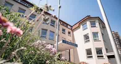 Das Karolinen-Gymnasium in Rosenheim erhält eine Lüftungsanlage.