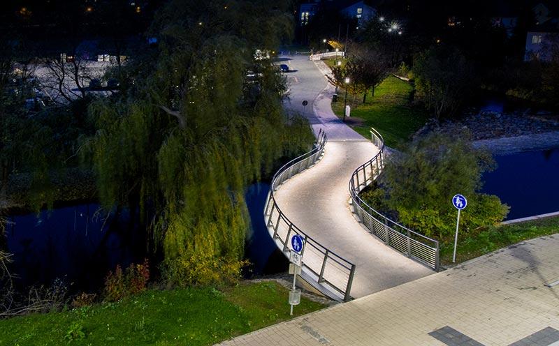 Die LED-Leuchten in der Schutzart IP67 mit einem Stoßfestigkeitsgrad IK10 sind Vandalen sicher und extra robust. Bildquelle: lux-glender.com