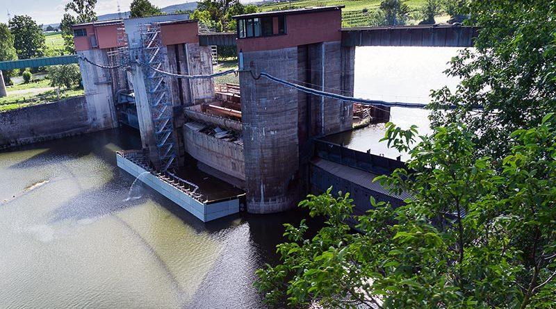 Die Wehranlage Horkheim war im Laufe der Jahrzehnte sanierungs-bedürftig geworden. Bildquelle: NOE-Schaltechnik